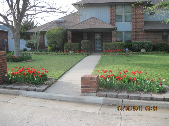 April 2011 Yard of the Month