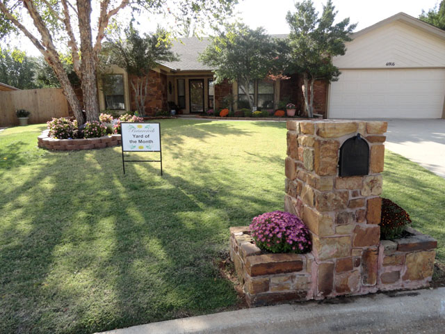 October 2011 Yard of the Month